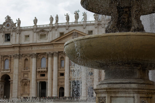 Saint Peter's Square - fountain
